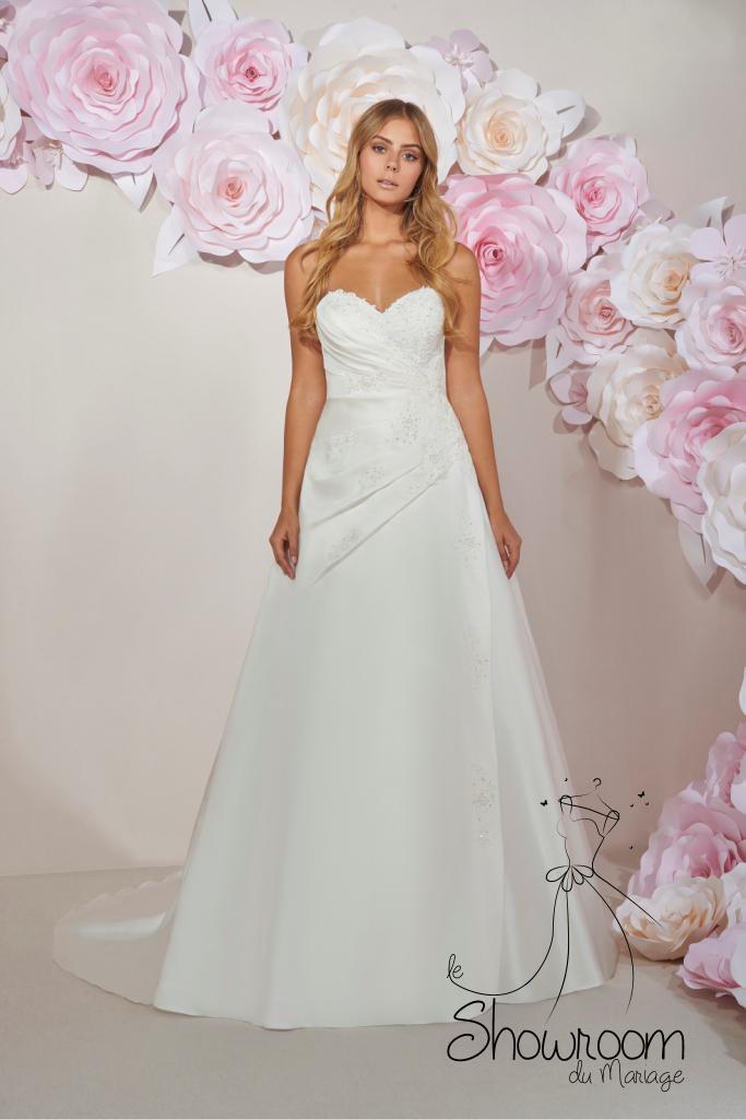 Robes de mariée 204-05 : 849€