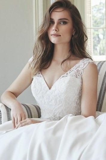 Robes de mariée 221-02